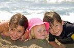 cocuklar yaz tatil plaj