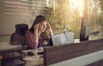 calisma kariyer stres mutsuz kadin ofis