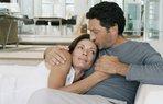 dv1654018 evlilik mutlu iliski cift alindan opucuk romantizm