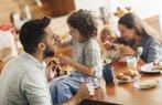 aile kahvalti baba cocuk