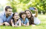 bayram tatili mutlu aile anne baba cocuklar tatil
