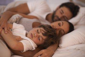 aile uyku cocuk