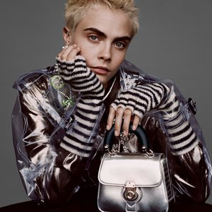 burberrycleartrenchcoatcaradelevingne
