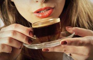kahve kadin icecek sicak ruj beslenme