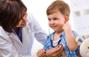 cocuk doktor hasta muayene