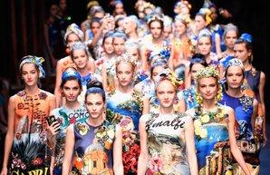 milano moda haftasi 2016 ilkbahar yaz dolce gabbana defilesi koleksiyon