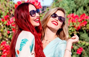 sunglasshut georgia may jagger anneler gunu 2015