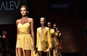 asli alev 2017 ilkbahar yaz koleksiyonu mercedes benz fashion week istanbul moda