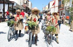 alacati festival bahar yemek ege kultur