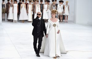 chanel 2014 2015 sonbahar kis haute couture koleksiyonu karl lagerfeld moda