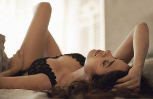 kadin yatak seks cinsellik ask