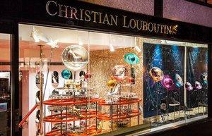 christian louboutin dekor vitrin