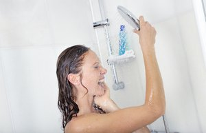 kadin dus yikanmak banyo su