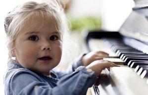 cocuk bebek muzik eglence gelisim piyano egitim