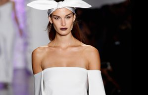 acik omuz elbise bluz kiyafet moda trend sonbahar 2015