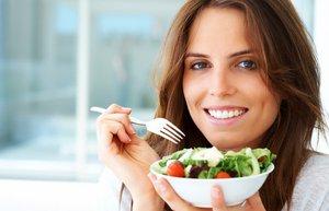 salata kadin saglikli beslenme diyet