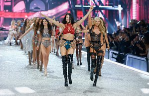2016 victorias secret defilesi fashion show fotograflar melekler