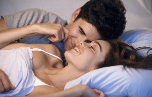79077114 thinkstock mutlu iliski cift yatak seks mnk