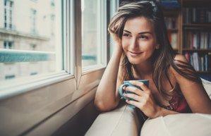 kadin kahve yalniz mutlu