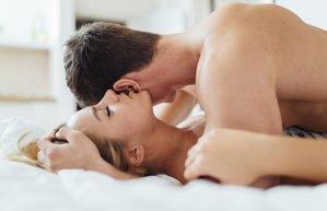 seks orgazm cinsellik cift yatak