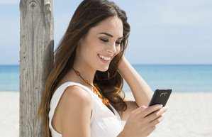 guzellik kadin teknoloji mutlu tatil kumsal deniz