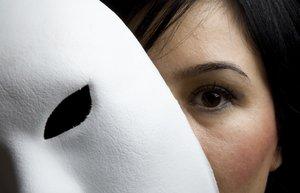 yalan yalanci maske ikiyuzlu korkma korkak