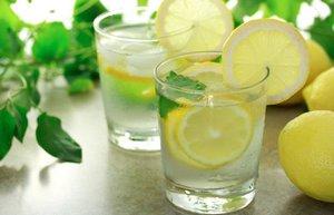 limonlu su faydalari saglikli beslenme