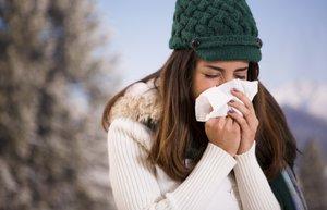kadin grip soguk alginligi kis hasta hastalik mendil