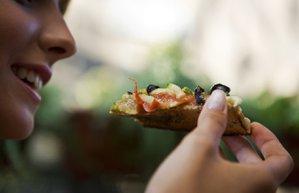 kadin yemek pizza fast food