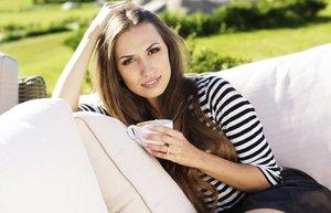 kahve kadin yaz bahce