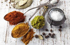 baharat kimyon kirmizi biber karabiber defne