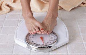 diyet zayiflama kilo verme saglik tarti ayak kadin