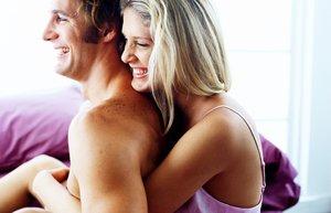 cift seks yatak odasi iliski kadim mutlu erkek