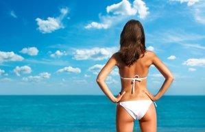 yaz popo gunes selulit beach bikini deniz tatil kadin yalniz