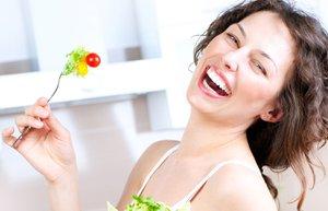 diyet salata beslenme mutlu kadin