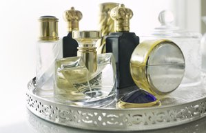 parfum tuvalet masasi makyaj guzellik