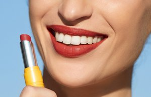 l occitane ruj intense fruity lipstick pamelo kiss
