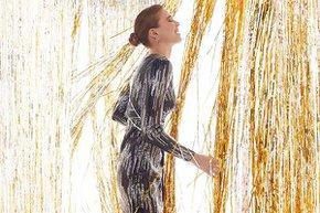 gold gri pariltili yilbasi elbisesi oleg cassini