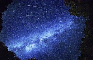 perseid meteor yagmuru istanbul modern 12 agustos 2015