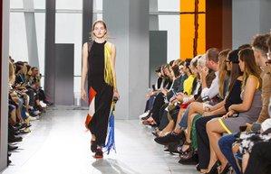 london fashion week ss16 londra moda haftasi 2016 ilkbahar yaz christopher kane koleksiyonu