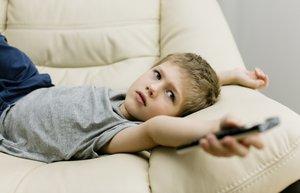 466703301 thinkstock cocuk televizyon teknoloji kumanda mnk
