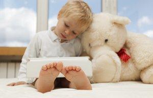 erkek cocuk tablet oyuncak otizm