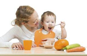 bebeklerde ek gidaya gecis ve pure beslenme
