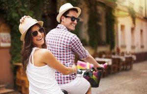 466233129 thinkstock mutlu cift iliski evlilik bisiklet mnk