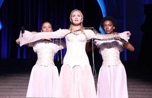 madonna met gala performansi