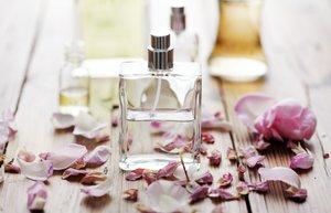 yaz parfumleri koku parfum sisesi
