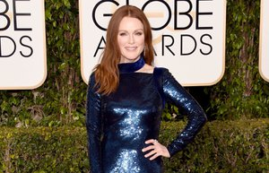 julianne moore 73 golden globe awards 2016 altin kure odul toreni kirmizi hali