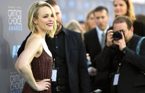 rachel mcadams 2016 critics choice film odulleri