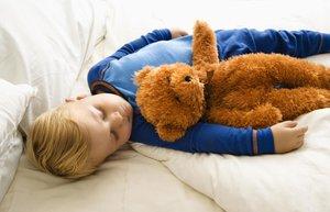 cocuk uyku yatak oyuncak erkek tulum