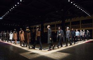 prada 2016 sonbahar kis defilesi erkek modasi